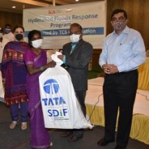 Relief kits distribution to 1,000 families as a part of Hyderabad disaster response programme